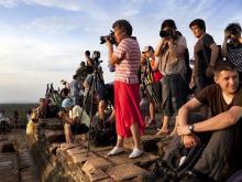 ankor_wat_photographers_t